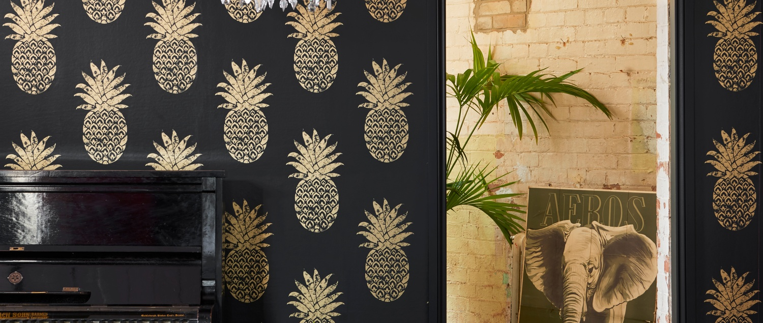 Colony black and gold pineapple wallpaper