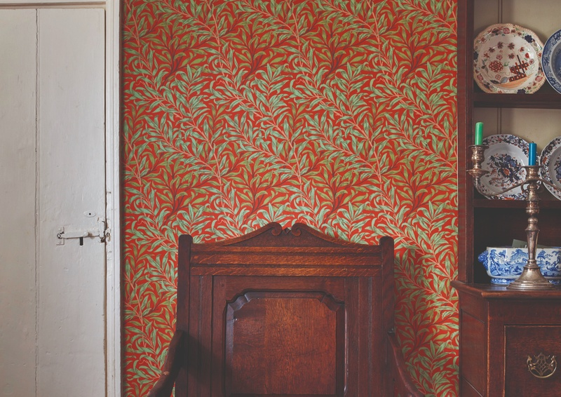Morris And Co The Queen Square Collection 24 Red Wallpaper