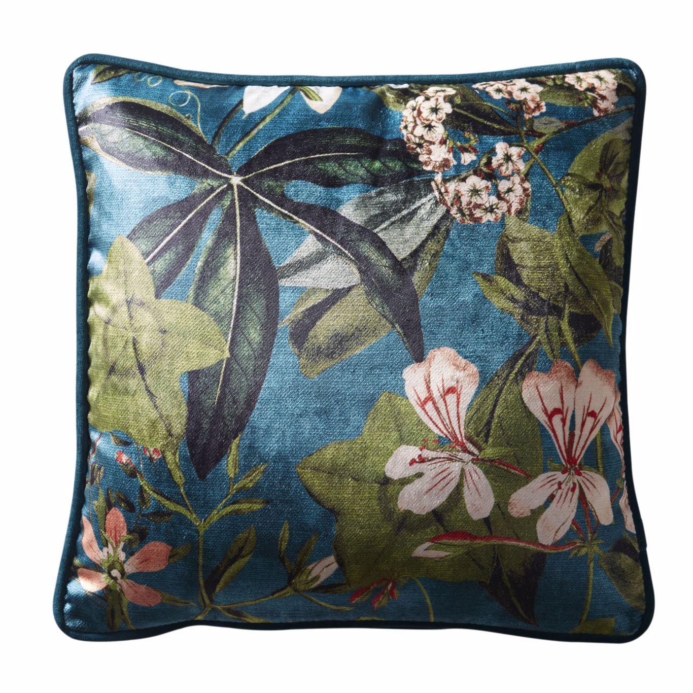 Passiflora Cushion by CNC